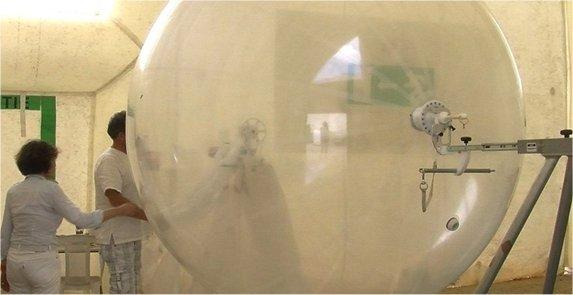 Des ballons lâchés depuis Martigues pour suivre les polluants dans ballon bal-mart
